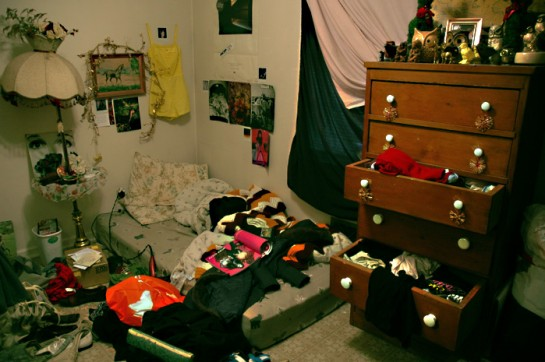 messy-room-545x362